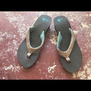 NWOT Sanuk wedge flip flop brown- Sz 7